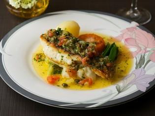 フランス料理伝統の技術で仕上げた『真鯛のポワレ』