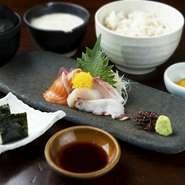 信州そばと選べるミニ丼御膳
