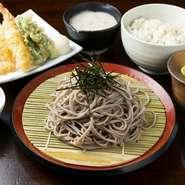 漬けマグロの山かけ丼/小鉢/自然薯とろろ汁/ご飯/赤だし/香の物 /デザート