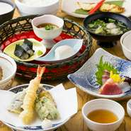 会席料理は仕入れの都合上、必ず2日前までに ご予約をお願いします。
