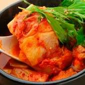 辛すぎない味付けで、家族連れにも人気のある『豆腐チゲ』