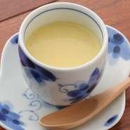 初夏を感じるトウモロコシのスープ。