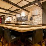 食材だけでなくドリンクも、小樽のものがそろっています。中でも、寿司や刺身にぴったりな、地元の田中酒造の政寿司ラベルのオリジナル本醸造酒がおすすめです。