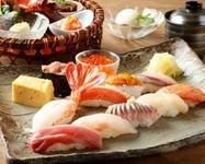 ご会食に最適。北海道をご堪能いただけます。 ・花籠前菜盛り合わせ ・いかそうめん ・季節の小鉢 ・おすすめ5貫 ・ミニうにいくら丼 ・止椀 ・デザート