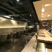 アメリカや欧州などにある「寿司バー」なども参考にした店づくり