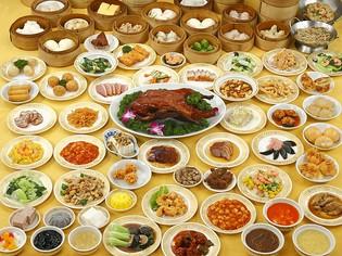 数日かけて作る、香港では有名な薬膳スープ『佛跳牆』