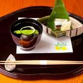 細やかな職人技が光る『鯖寿司』と『帆立貝のしんじょ』