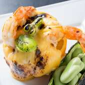 野菜は地元産。魚貝は独自ルートで仕入れ