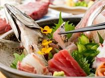 季節の食材を使用した贅沢なお食事。