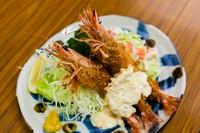 新鮮な活海老を使う看板料理『車海老フライ定食』