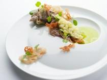 秋に食べたい前菜メニュー『秋刀魚と蓮根とルッコラと青柚子』