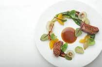 フルーツとお肉を使ったメイン料理『鴨と玉ねぎデコポン』