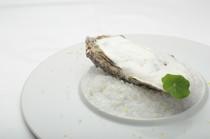 菜の花の苦みがアクセント『牡蠣と菜の花とベーコン』