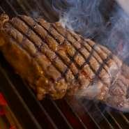 ワインの種類は約70種。季節にあわせて厳選し、珍しい銘柄も取り揃えています。料理に合わせて、赤、白、スパークリングなど世界各国のワインを飲み比べ、好みの味を探してみるのも楽しいでしょう。
