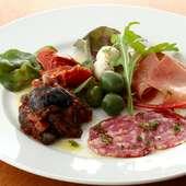 イタリアンでは定番の前菜盛合せ『ワインのお供ルスティコ』