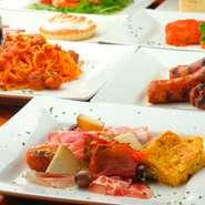 星の数ほどイタリア料理店はあるけれど、中部アブルッツォ地方に伝わる郷土料理は珍しい。四角い断面のパスタ「キタッラ」や自家製のサラミなど、アブルッツォ出身のシェフが作る本場の味が楽しめる希少なお店です。
