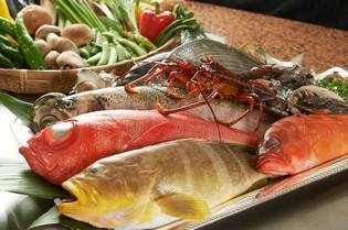 大阪の福島市場から直接仕入れた「魚介類」は新鮮で味も良し