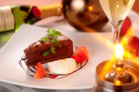 ・プラムのコンポート 桃のアイス ・抹茶のガトーショコラ バジルアイス添え ・シチリア風 ドライフルーツのカッサータ  この中からおひとつお選びください
