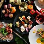 南アフリカ ステレンボッシュより、今をときめく3名の生産者様が広島にいらっしゃる事を記念致しまして、生産者様を囲んでのディナー食事会を開催いたします。 3ワイナリー、8アイテムのワインをラヴァーグのお料理と共にお楽しみいただけます。 世界に羽ばたく南アのトップ生産者様のお話がきける貴重な機会です。 皆さまどうぞ、奮ってご参加くださいませ!  ※当日は生産者様のサイン入りワインが当たる抽選会もあります