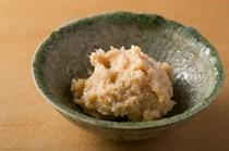 魚の味噌漬けには京都の山利商店の白味噌を使用