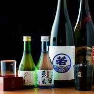 店長自ら味を確かめ厳選している日本酒は、地元・福岡のものをはじめ豊富に用意されています。いろいろな味を試してみるなら、飲み放題プランがおすすめ。「博多の味」をじっくりと堪能するのも良いものです。