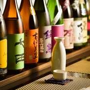 豊富に揃うお酒のなかでも、佐賀特産の菱(ひし)の実を使用した珍しい「菱焼酎」は、注文必須の一品です。
