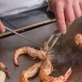 目にも楽しい調理風景は必見。心もお腹も大満足です
