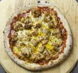 4種のチーズを使用したピッツァにさっぱりとしたハニーレモンがベストマッチ。