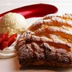 トマトの酸味と甘味をしっかりと感じる清涼感溢れるリゾット。