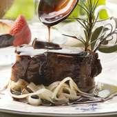お肉の柔らかさを堪能できる『牛肉のブレゼ』