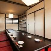 洗練されたお座敷の個室はシックで大人の癒し空間