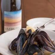 数あるワインの中でもイタリアワインのみ、選りすぐりのボトルがそろっています。相性ぴったりな料理も充実しているので、お酒を楽しみたい人にもおすすめ。ゆったりとした自分の時間を過ごせます。