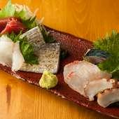 鎌倉の地の利を活かして仕入れる野菜と魚介が楽しめる