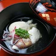 春であればお花見をモチーフにした料理、5月には端午の節句や梅雨にちなんだ料理など四季折々内容が変化。