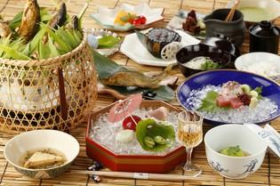 コースの中で丁寧に料理されたものを味わえる「京野菜」