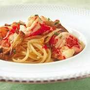 [全9品] ◆小さな前菜 ◆お好みの前菜 ◆本日のスープ ◆お好みのパスタ料理 ◆お好みの魚料理 ◆お口直し ◆お好みの肉料理 ◆お好みのデザート ◆コーヒー&小菓子  ※写真はイメージです