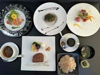 お魚料理と肉料理を選択できるコースです。