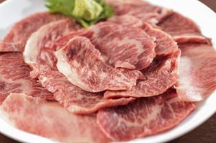 肉の厚さにこだわった『和牛カルビ焼 塩・わさび添え』