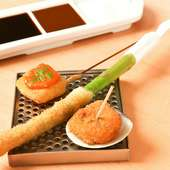 人気の3品「其の2」・イカとウニのソース・ アスパラガスの一本揚げ・ 蛤の甘酢風味