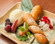 豆乳を練り込んだパンを、昔懐かしい揚げパンに!! アイスにきな粉砂糖をトッピングしたあったかひんやりデザート。