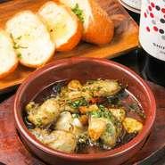 牡蠣のガリックオイル煮です。