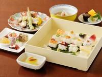 旬の魚介を使った姫寿司がメインの『姫寿司御膳2500円コース』
