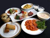 フカヒレ入りスープや海老チリ、春巻など 中華の定番人気メニューをお気軽に楽しめます ※ランチタイム限定