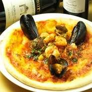レガーロ自慢の料理をご自宅や職場でお楽しみください。メニューは全て店内価格の20%offでご提供しております。 ピッツァ、パスタ、肉料理、前菜など、メニューも豊富にそろえてます。