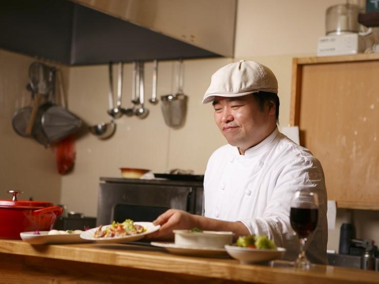 気楽に洋食を楽しめる、庶民的な食堂を目指します