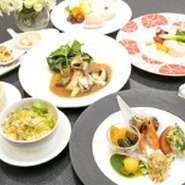 前菜5種 ふかひれスープ 海老の3種盛り 豚の角煮 帆立・蟹の爪・イカのあっさり炒め 粽又はチャーハン デザート2品