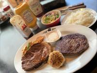 沖縄を代表するアグー豚のローストポークとステーキのお得なコンボです!