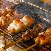 豪快に炭火で焼き上げる『もも一枚焼き』