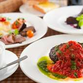 長野県ではポピュラーな食材である羊肉の料理を豊富に用意