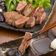 ボリュームのある新鮮で良質なお肉を、リーズナブルに味わえるのは食肉店直営のお店ならでは。肉の部位ごとの特徴を熟知した店主が、様々な美味しい肉料理を提供してくれます。